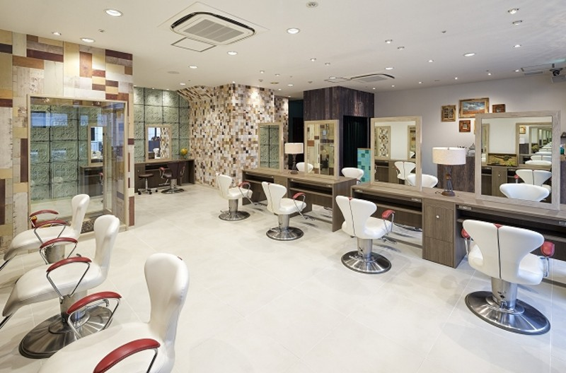 HAIR & MAKE EARTH  二俣川店